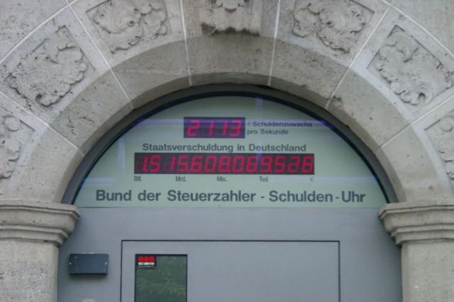 Staatsverschuldung-Schuldenuhr @ wikipedia.org © Henry Mühlpfordt